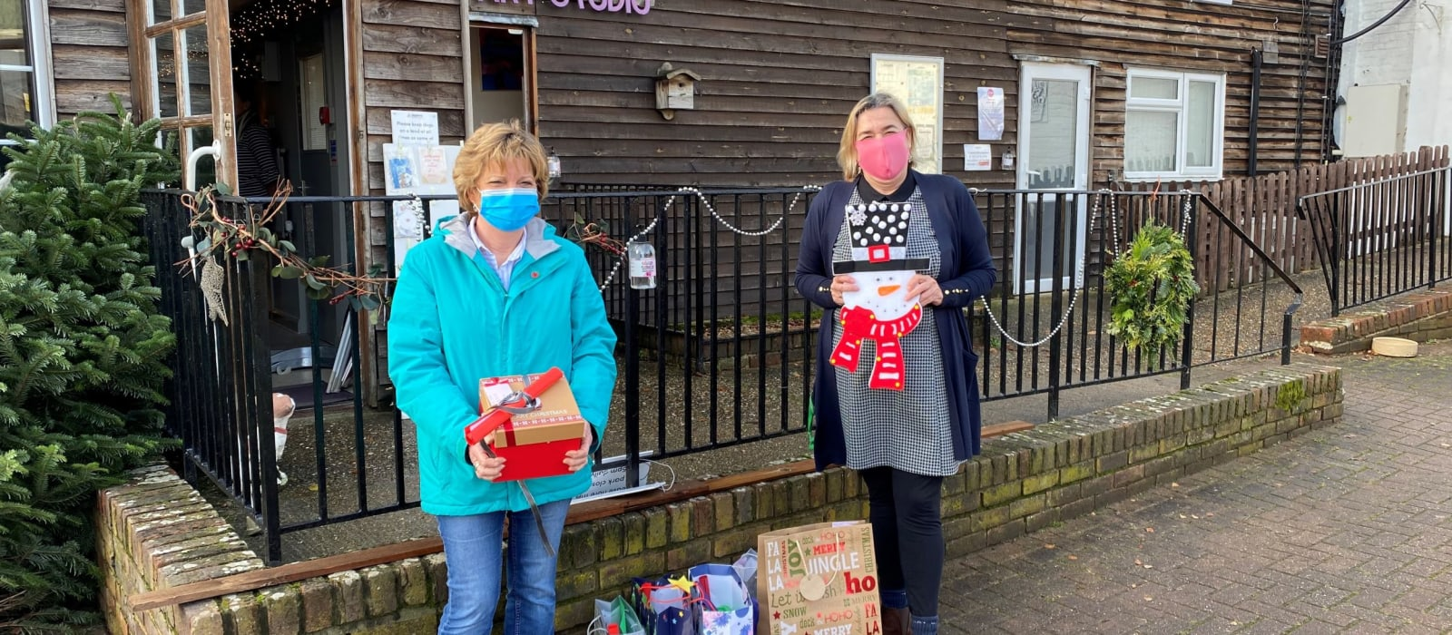 Students' 'Hug-in-a-Bag' Gifts Raise Festive Cheer